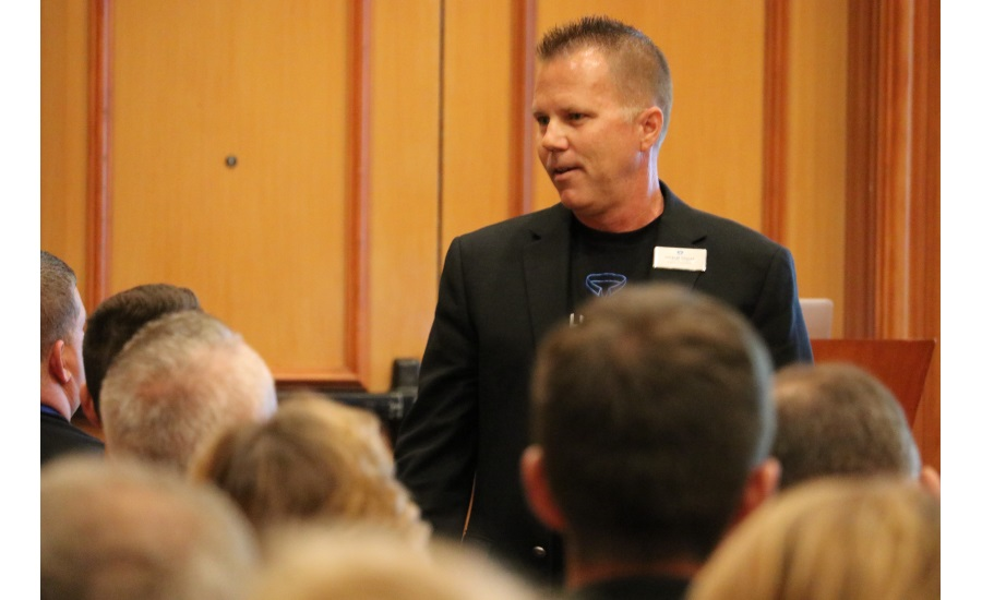 The Blue Collar Coach and PM columnist Kenny Chapman speaks to attendees during his breakout session