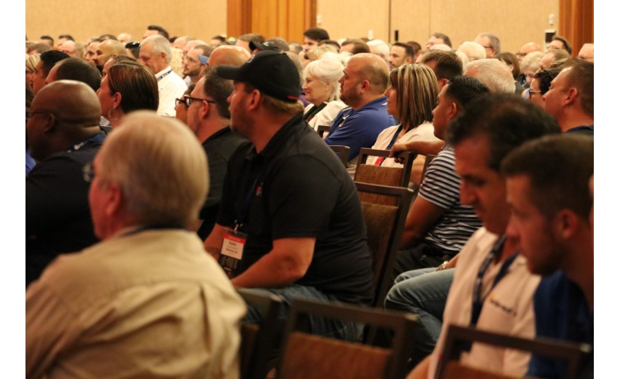 A packed audience listens as U.S. Army veteran and motivational speaker JR Martinez speaks during the 2017 Service World Expo Sept. 8 in Las Vegas