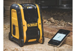 PM0315_Products_DeWalt-Bluetooth-Speaker_feat.jpg