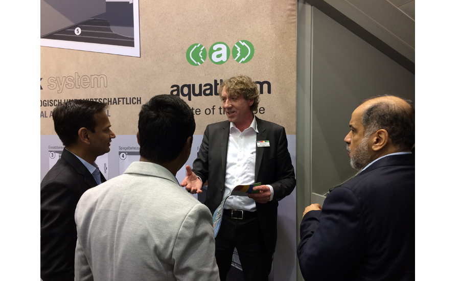 Matthias Konze (center), international product consultant for Aquatherm