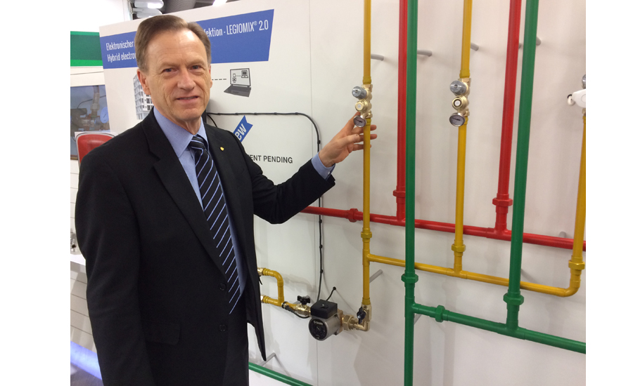 Rex Gillespie shows Caleffi's new THERMOSETTER
