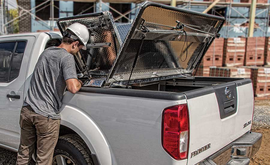 DiamondBack 270 three-panel truck bed cover