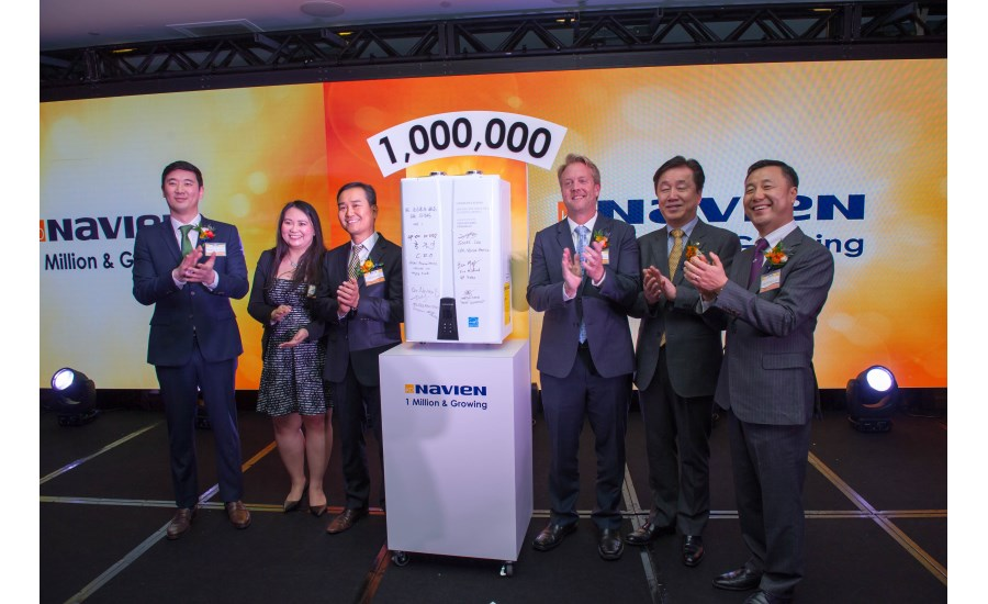 18-0125 Unit Signing Ceremony by Heung-Rak Sohn,  Martha Pugeda (longest American employee), Scott Lee, NA CEO  Eric Moffroid, VP, Joon Kee Hong CEO Worldwide, Jaeyong Lee, Head of Global Business